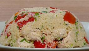 Салат с куриной грудкой, кус-кусом и сладким перцем