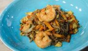 Гречневая лапша с креветками в азиатском стиле